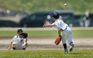 少年野球監督「体大きくしろ、米3合食え、おかず不要、塩で食え」…泣いて食べる小5の絶望