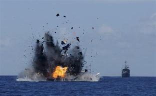 インドネシア、違法操業をした中国漁船を見せしめに爆破!