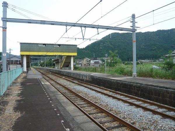 JR甘地駅上りホーム