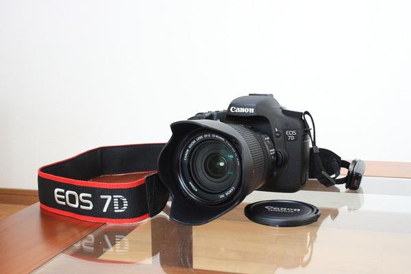 デジタル一眼レフ(Canon EOS 7D)