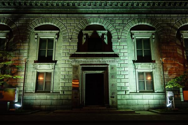 夜の旧三井銀行小樽支店