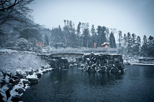 雪景色の弁天様