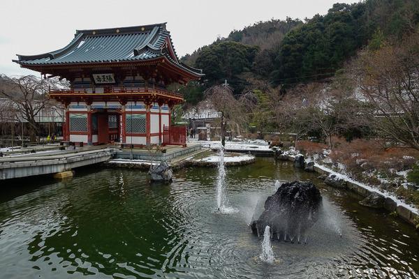 新春恒例の勝尾寺詣り