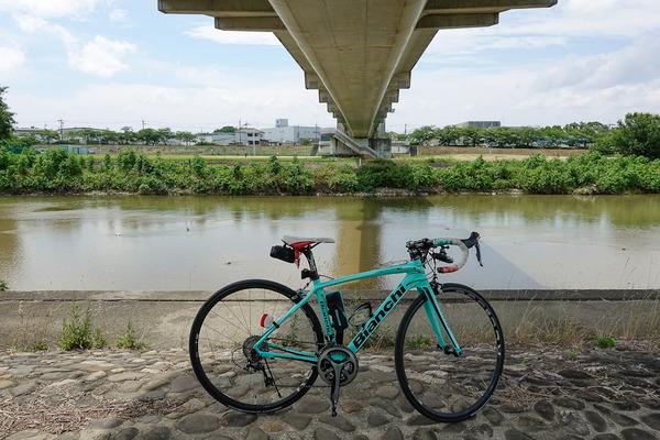 猛暑・強風の中で石川サイクル橋
