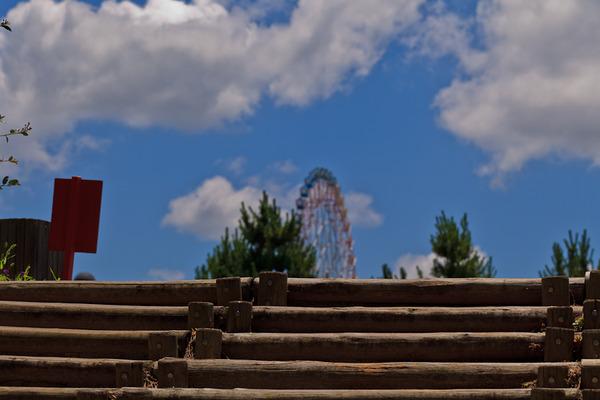 階段と青空_LR3