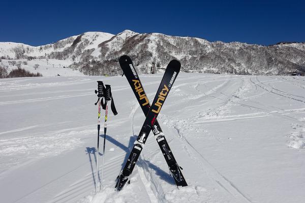 新しいスキー板