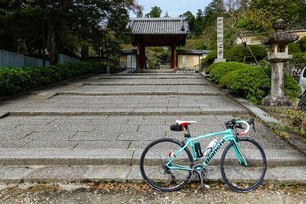 石川ソロツーリングで観心寺