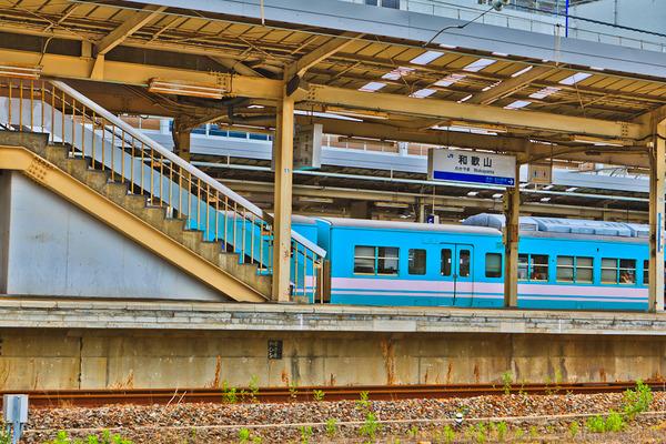 JR和歌山駅ホーム1
