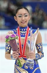 女子シングルで逆転優勝を決めた安藤美姫=長野ビッグハット