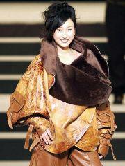 モデルで芸能界デビューを果たした浅田舞 愛知県の「愛・地球博」EXPOドーム