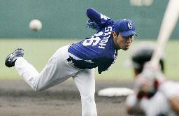 阪神対中日 プロ初先発で5回を2失点で初勝利を飾った中日・佐藤甲子園