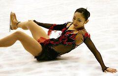 転倒した安藤美姫=NHK杯仙台大会女子フリー