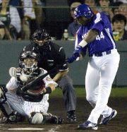 阪神対中日 3回表、中日無死満塁、ウッズが右越えに逆転の満塁ホームラン。捕手矢野 甲子園