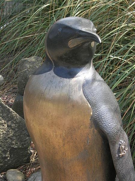 450px-Nils_Olav_Statue_May_1_2007