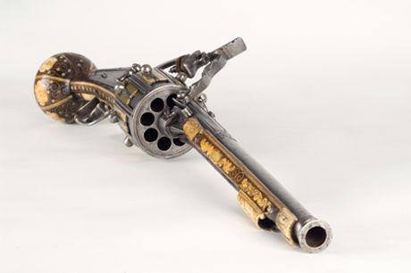 Revolver460x346