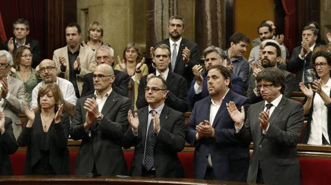 「カタルーニャ州議会がスペインからの独立を宣言」海外の反応