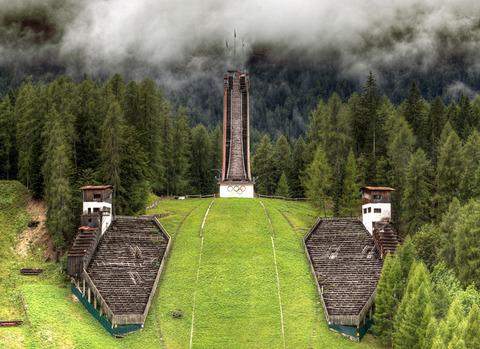 外国人「廃墟化した歴代オリンピック会場の様子を貼っていく」海外の反応