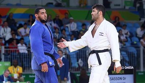 「リオ五輪柔道でエジプト選手がイスラエル選手との握手を拒み話題に」海外の反応