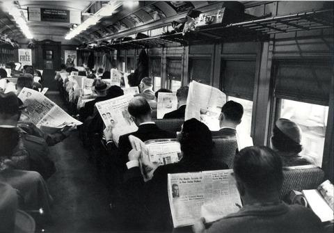 外国人「スマートフォンで人が反社会的になるという風潮」海外の反応