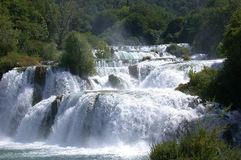 800px-Krka_Waterfalls