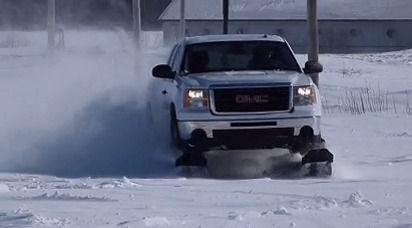 「自動車に装着する雪上用キャタピラが海外掲示板で話題に」海外の反応