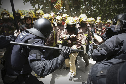 o-FIREFIGHTERS-RIOT-POLICE-facebook
