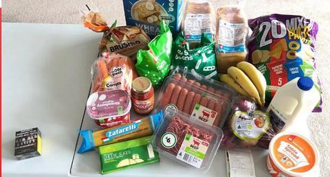 「オーストラリアではタバコ一箱の代金で大量の食料品が購入できる」海外の反応