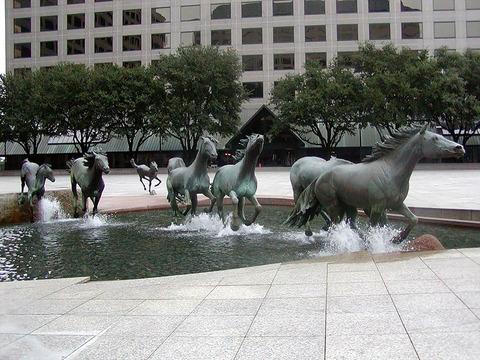 「世界各国の独創的だと思った彫像作品を外国人が貼っていくスレ」海外の反応