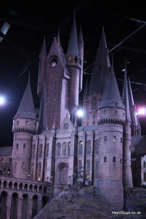 Harry-Potter-Studio-Tour-Hogwarts-Model-HeyUGuys-68
