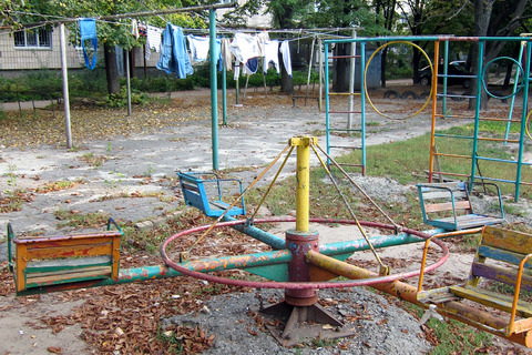 Playgrounds_Laundry