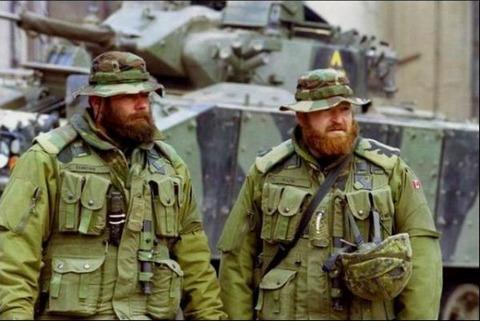 military-humor-funny-canadian-lumberjack-commandos