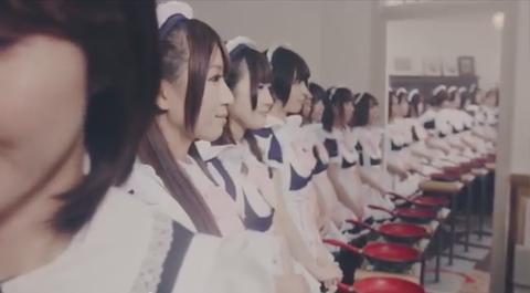 「日本のメイド100人による『魅せパンリレー』が海外掲示板で話題に」海外の反応