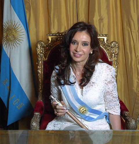 Cristina_Fernandez_de_Kirchner_-_Foto_Oficial_2