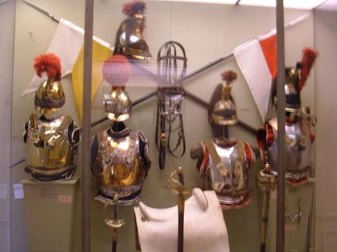 800px-French_Napoleonic_cavalry_armor_MDLA