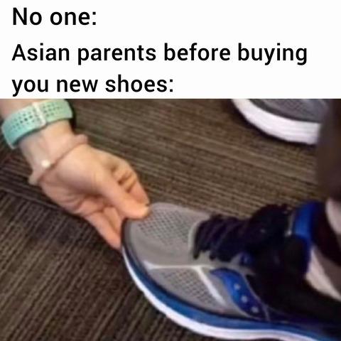 「子供の靴を買うときに世界中の母親がやること」海外の反応