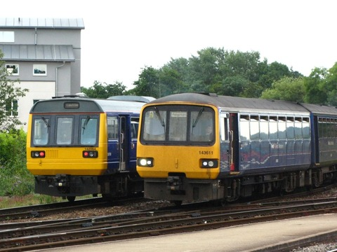 Exeter_St_Davids_-_FGW_142064_and_143611