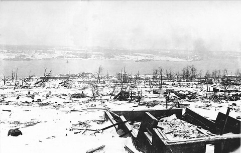 800px-Halifax_Explosion_-_harbour_view_-_restored