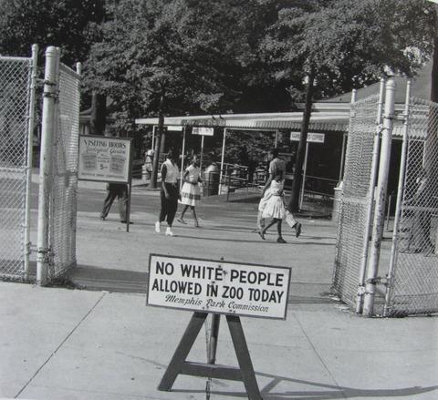 「1950年代の米国の動物園にあった白人が入園できない『黒人の日』が話題に」海外の反応