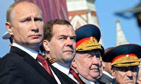 Vladimir-Putin-Dmitry-Med-011