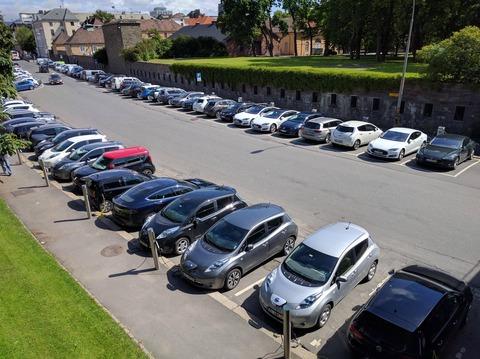「ノルウェーでは最近電気自動車をよく見かけるようになった」海外の反応
