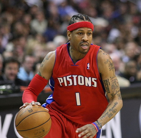 615px-Iverson_dribbling