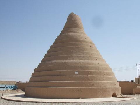 「古代ペルシャには真夏の砂漠で氷を貯蔵する技術力があった」海外の反応