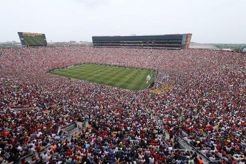 「米国サッカー史上最多の観客がスタジアムに詰めかけた様子が話題に」海外の反応