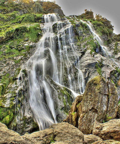 499px-Powerscourt_waterfall