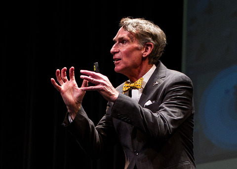 800px-Bill_Nye_speaking_at_Jesse_Hall