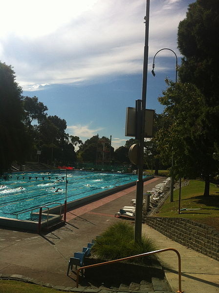 448px-Harold_Holt_Memorial_Swimming_Centre_2