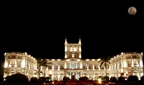 Palacio_de_Lopez_de_noche