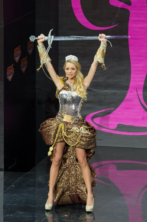 Sweden-National-Costume-for-Miss-Universe-2013