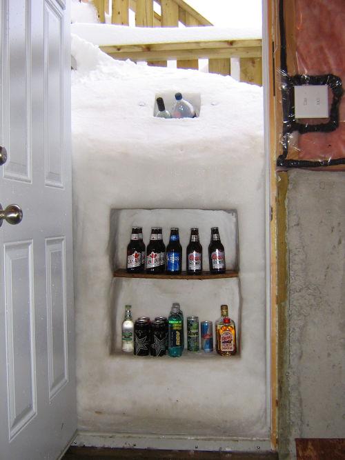 カナダ人「外国人にカナダ流のビールを冷やす方法を教える」海外の反応|暇は無味無臭の劇薬