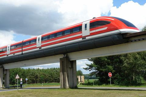 800px-Transrapid-emsland